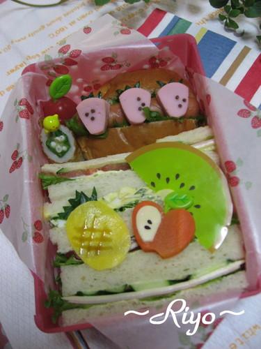 【果物のお弁当】果物サンドイッチ~プチオフ会~