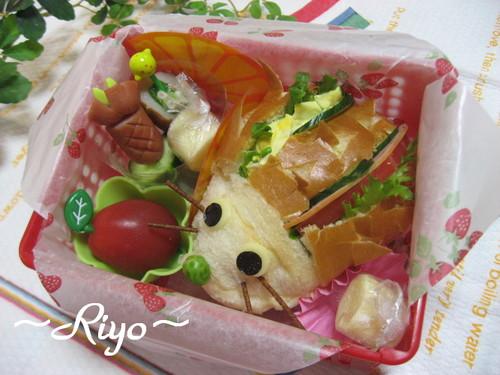 【果物のお弁当】パイナップルとハリネズミサンドイッチ~プチオフ会~